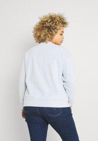 Levi's® Plus - STANDARD CREW - Sweatshirt - plein air - 2
