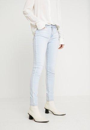 DIVINE - Jeans Skinny Fit - blue land wash