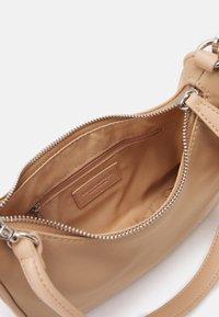 Seidenfelt - POSIO - Handbag - sand - 2