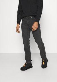 Wrangler - GREENSBORO - Jeans straight leg - blackstrap - 0