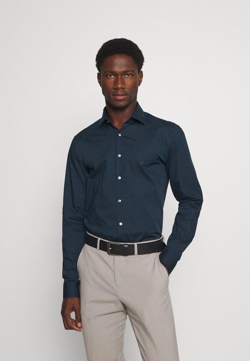 Calvin Klein Tailored - STRETCH SLIM  - Formal shirt - navy