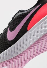 Nike Performance - REVOLUTION 5 - Neutral running shoes - black/beyond pink/flash crimson - 5
