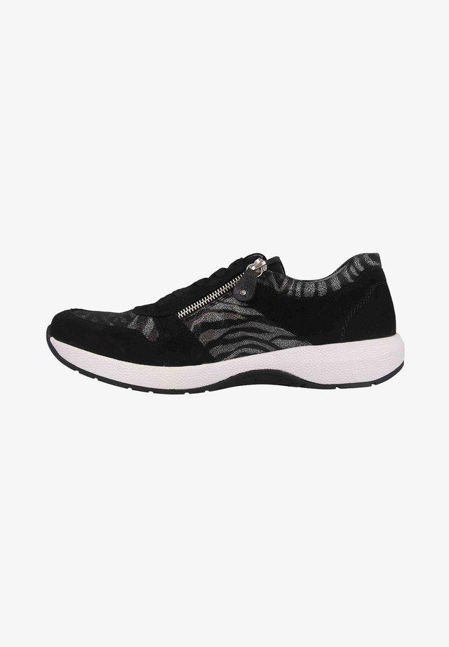Sneakers laag - schwarzschwarzschwarzg (02)
