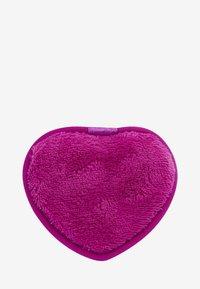 Revolution Skincare - REVOLUTION SKINCARE MAKE UP REMOVER CUSHIONS HEARTS - Makeup remover - - - 1