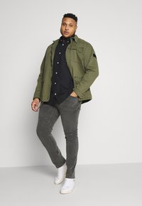 Selected Homme - SLHREGCOLLECT - Overhemd - caviar - 1