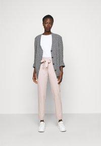 ONLY Tall - ONLHERO LIFE PANT - Kalhoty - light pink - 1