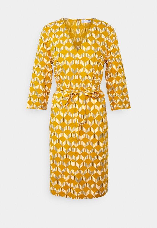 SUMMER DRESS WAVES - Kjole - sunflower