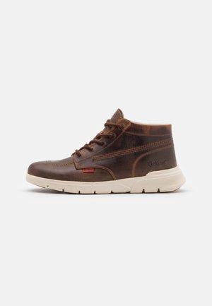 KICK 3 - Sneakers hoog - marron