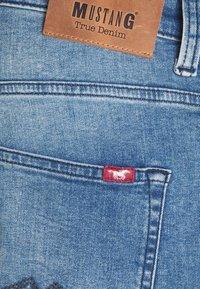 Mustang - OREGON - Bootcut jeans - denim blue - 8