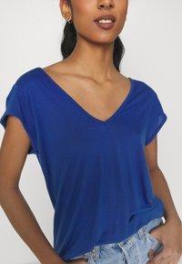 Vila - Basic T-shirt - mazarine blue 1 - 5