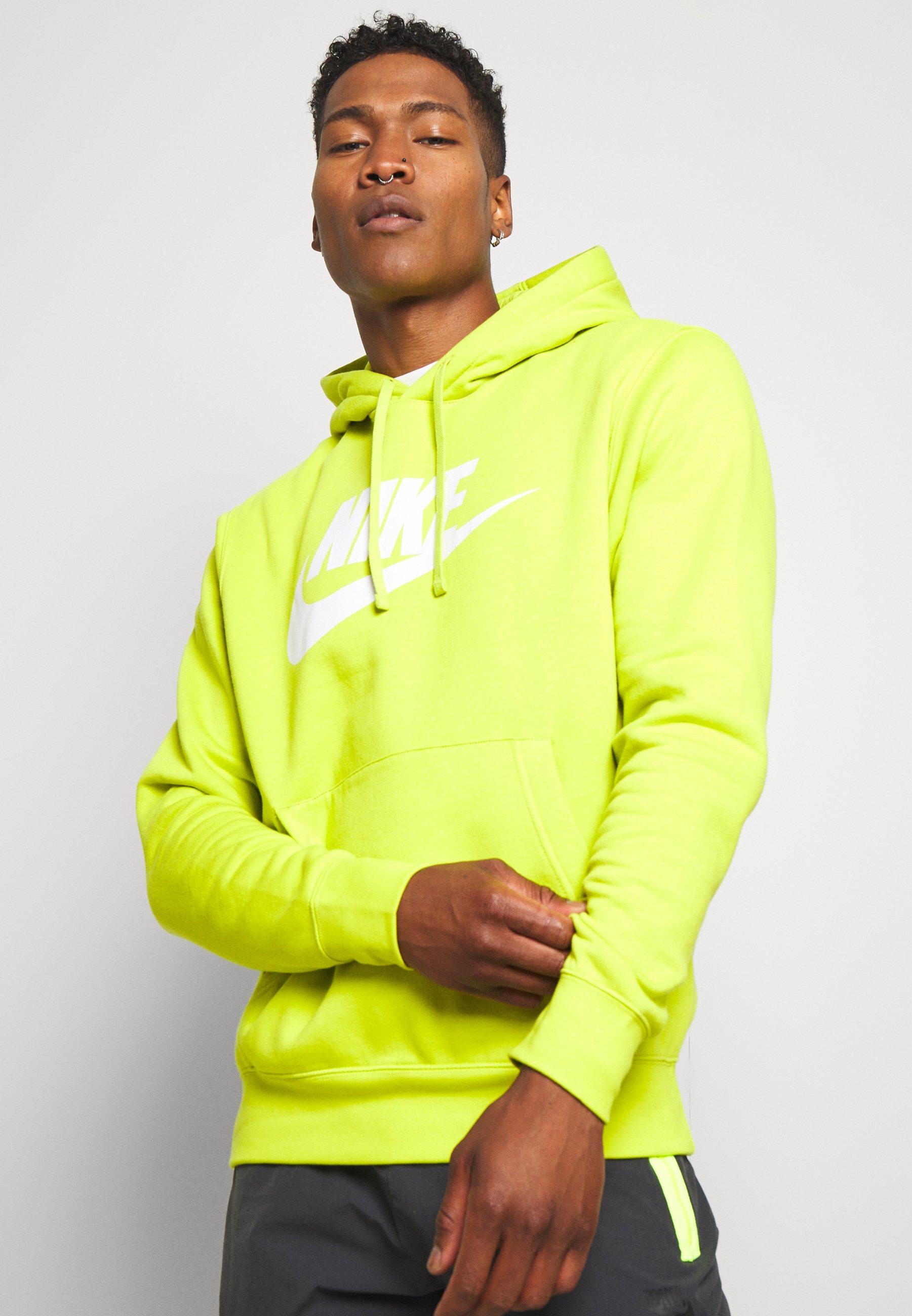 Nike Sportswear CLUB - Hoodie - bright cactus