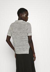 Proenza Schouler White Label - T-shirt imprimé - ecru - 2