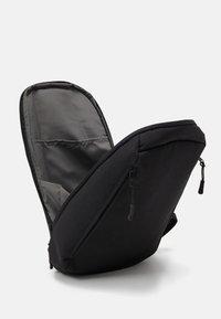 anello - ONE STRAP BAG SLOUCHY - Batoh - black - 2