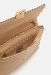 Anna Field - Clutch - gold - 2