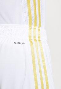 adidas Performance - JUVENTUS AEROREADY SPORTS FOOTBALL SHORTS - Sports shorts - white - 5