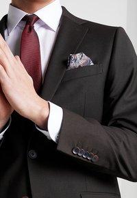 Bugatti - SUIT REGULAR FIT - Suit - dark brown - 6