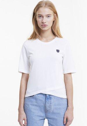SCUDERIA FERRARI SHIELD  - Print T-shirt -  white