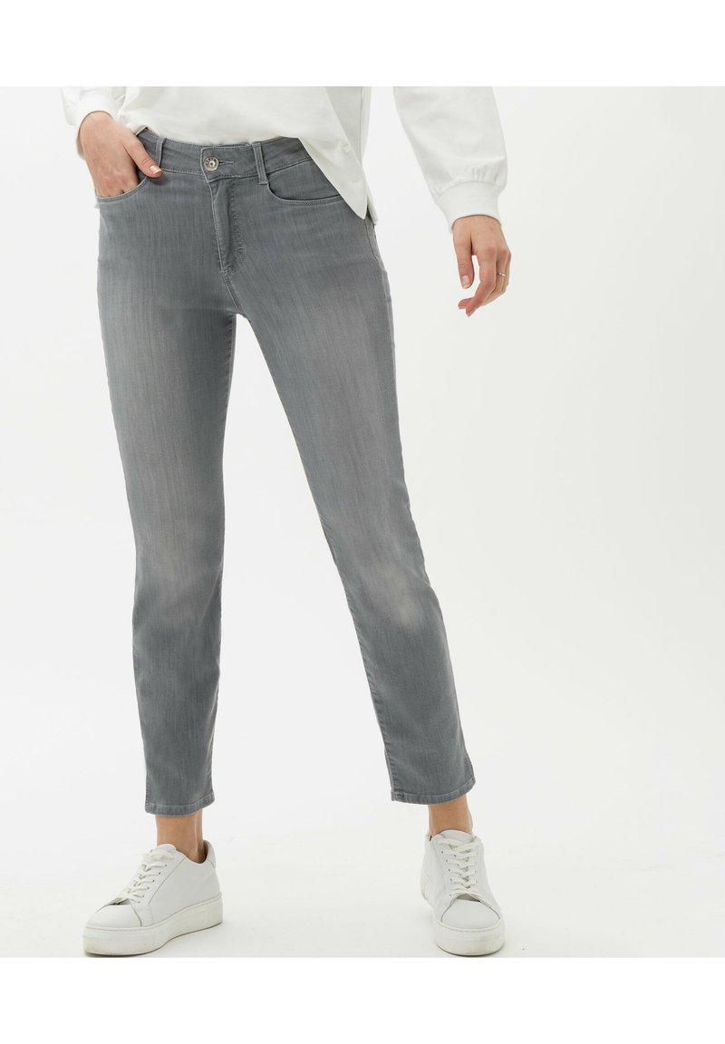 BRAX - STYLE SHAKIRA S - Jean slim - used light grey