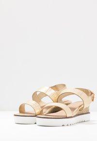 Head over Heels by Dune - KYE - Sandály na platformě - gold - 4