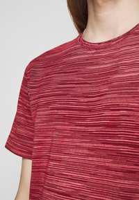Missoni - SHORT SLEEVE - T-shirt con stampa - red - 5