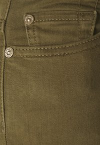7 for all mankind - ROXANNE ANKLE COLORED BAIR AGAVE - Jeans Skinny Fit - green - 5