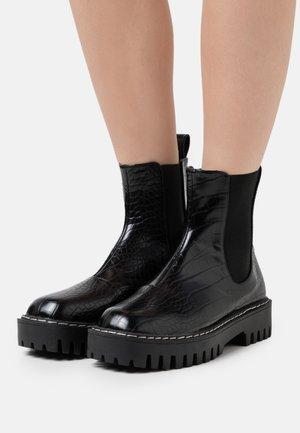ZINNIA - Platåstøvletter - black