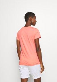 GAP - OUTLINE TEE - T-shirt z nadrukiem - pink reef - 2