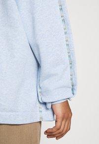 Nike Sportswear - HOODIE EARTH DAY - veste en sweat zippée - light armory blue/heater/white - 6
