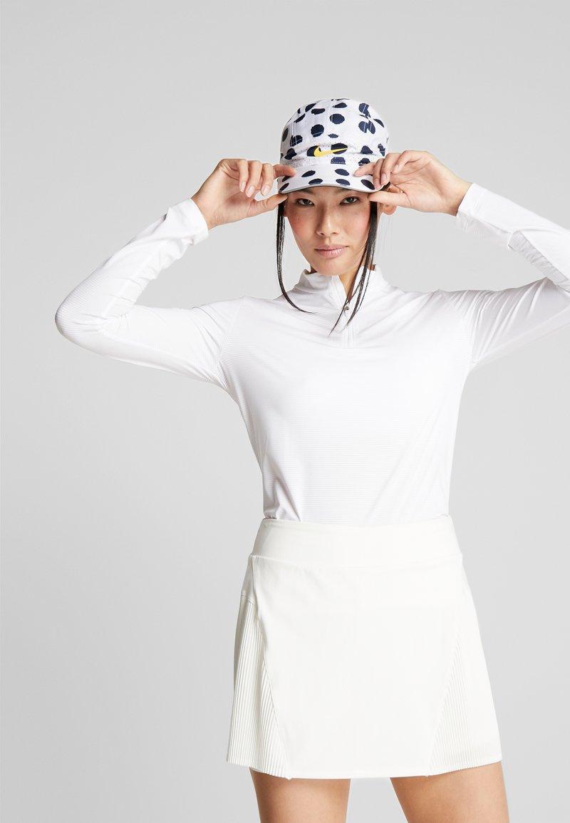 Nike Golf - DRY VICTORY HALF ZIP - Funkční triko - white
