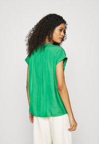 Banana Republic - ESSENTIAL - T-shirt print - hula green - 2