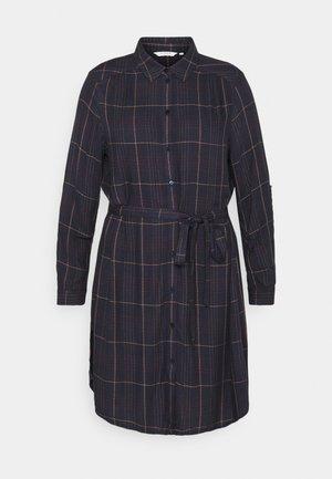 BELTED CHECKED DRESS - Košilové šaty - navy gipsy/camel