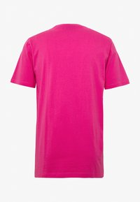 WeSC - MASON THRILLS - Print T-shirt - hot magenta - 1