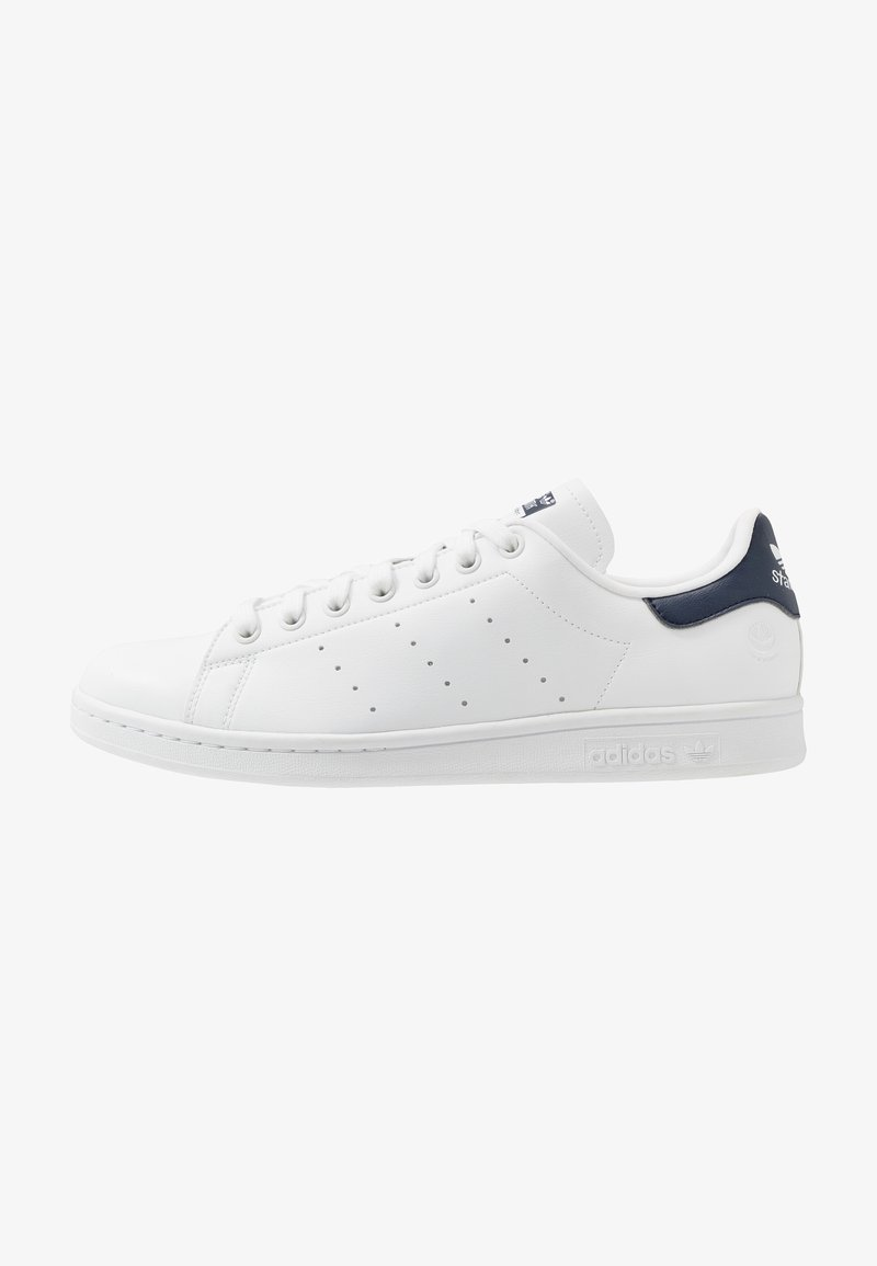 adidas Originals - STAN SMITH VEGAN SPORTS INSPIRED SHOES UNISEX - Trainers - footwear white/collegiate navy/green