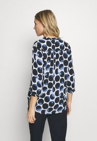 Cartoon - Bluser - white/dark blue - 2