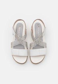 Tamaris Pure Relax - Plateausandaler - white - 5