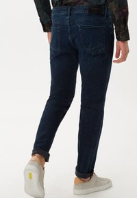 BRAX - STYLE CHUCK - Jeans Skinny Fit - night blue used - 2