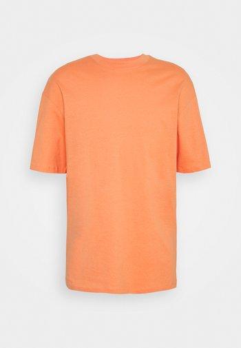 JORBRINK TEE CREW NECK - Basic T-shirt - shell coral