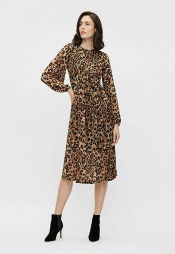 LEOPARDENPRINT - Vestito elegante - sepia