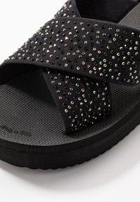 flip*flop - WEDGE CROSS CRYSTAL - Heeled mules - black - 2