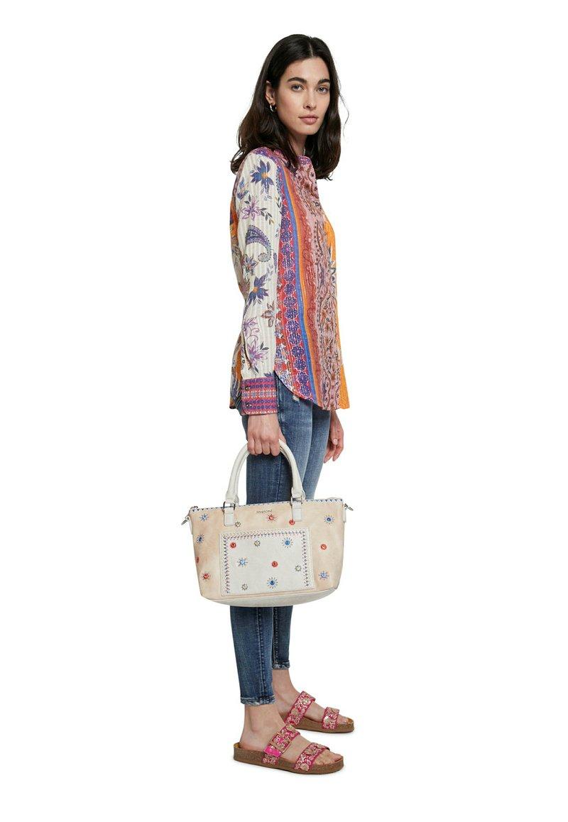 Desigual - BOLS CRISTAL MOON PADU - Handbag - beige