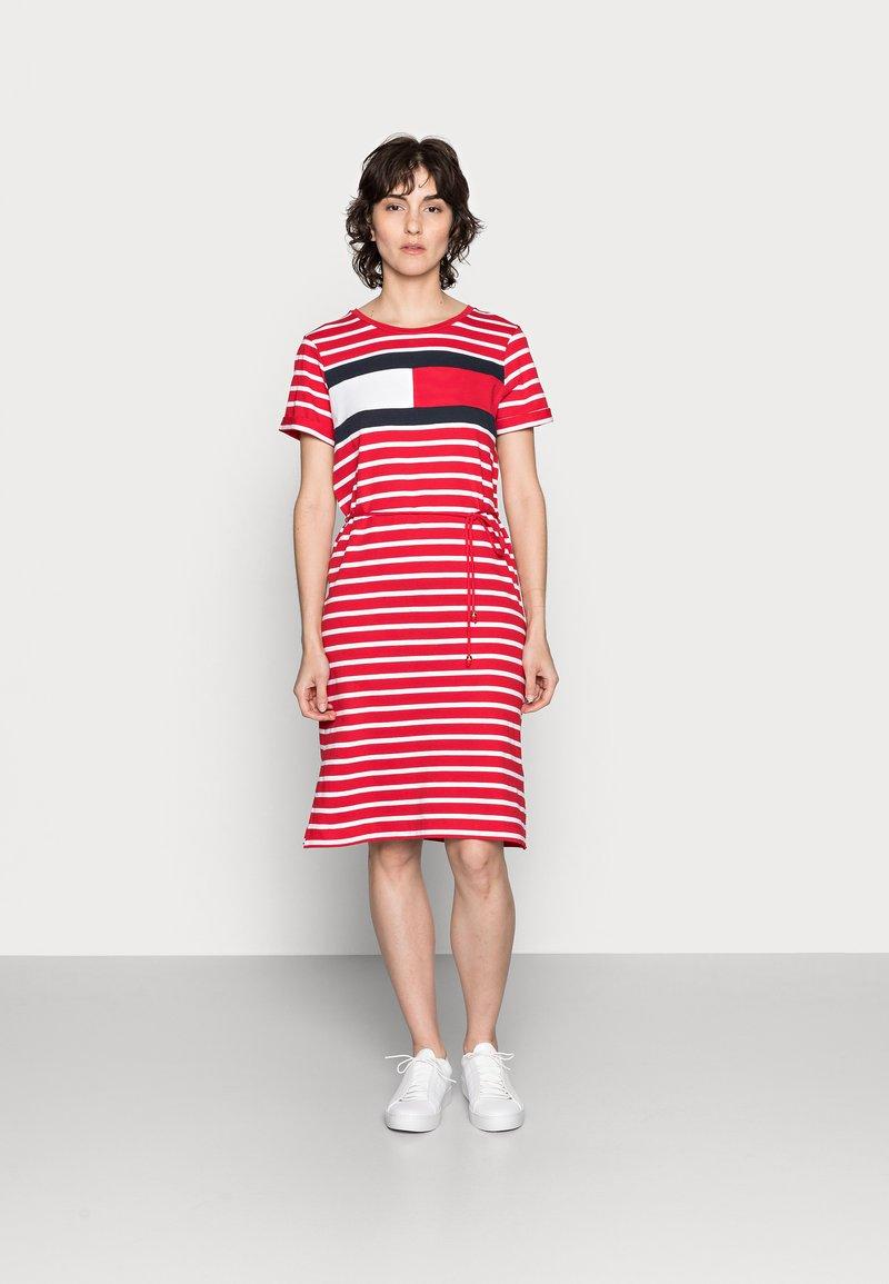 Tommy Hilfiger - ABO REGULAR T-SHIRT DRESS - Jersey dress - classic brenton/primary red