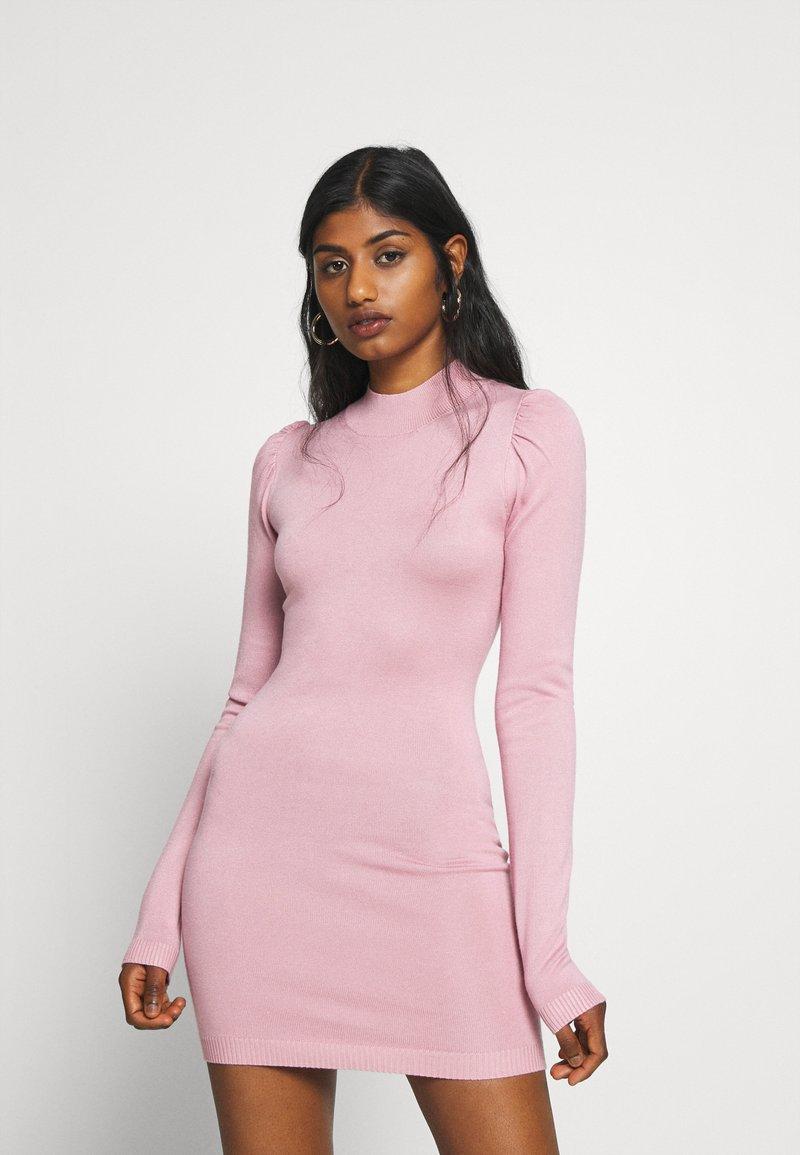 Missguided Petite - PUFF SLEEVE MINI DRESS - Pouzdrové šaty - rose