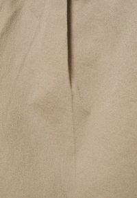 Vero Moda Petite - VMEVA BELT SHORT SKIRT - A-line skirt - silver mink - 2