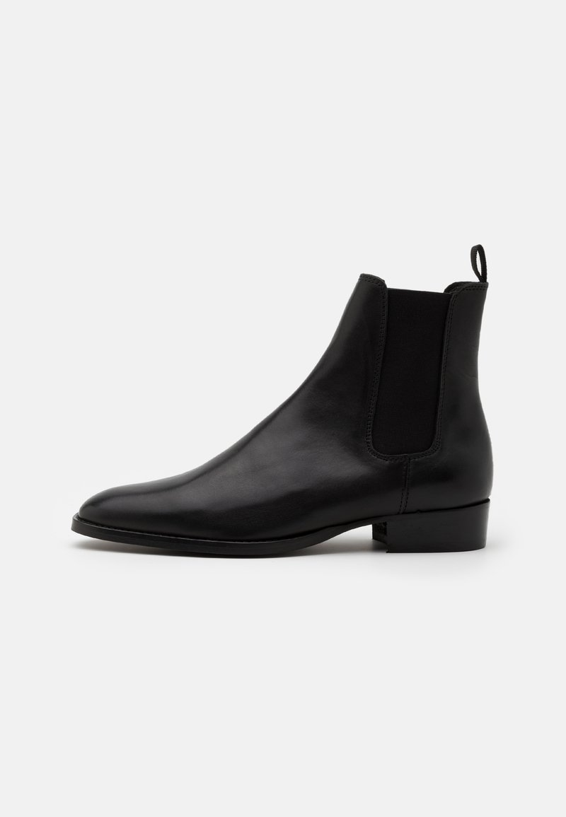 LAST STUDIO - FOREST - Classic ankle boots - black
