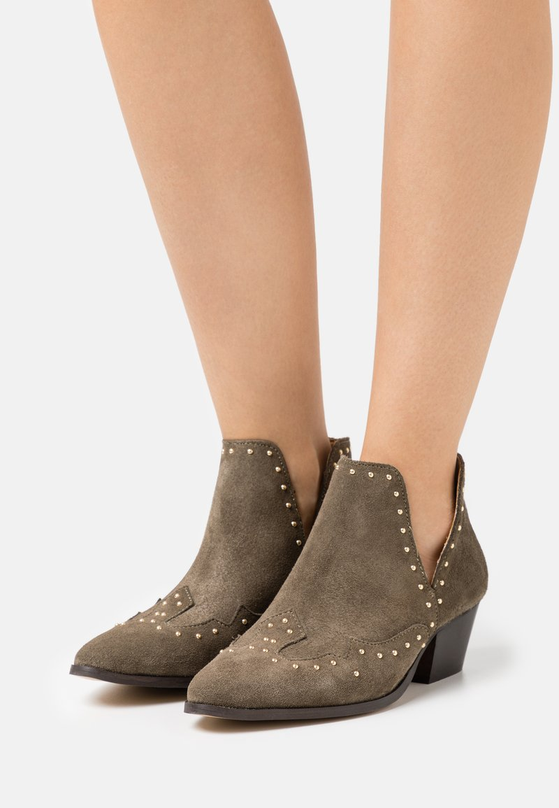 YAS - YASSOUTH - Ankle boots - military olive/gold