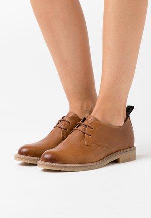 BRAGA - Šněrovací boty - cognac