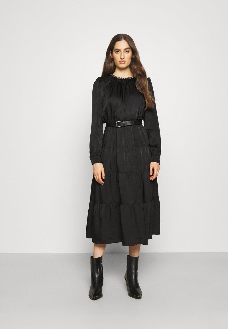 MICHAEL Michael Kors - CHAIN TIERED DRESS - Vestito lungo - black
