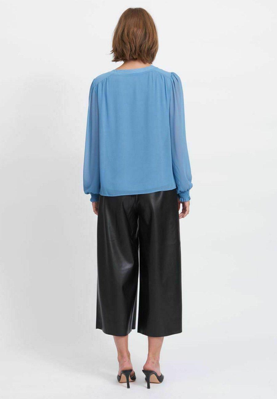 Femme VIAMIONE V NECK L/S SU - NOOS - Blouse