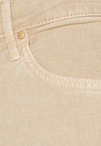 Mother - THE INSIDER ANKLE FRAY - Flared Jeans - khaki - 2