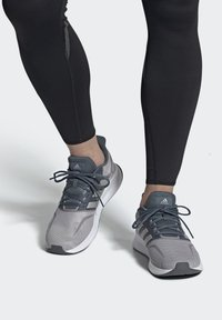 adidas Performance - RUNFALCON SHOES - Stabilty running shoes - grey - 1